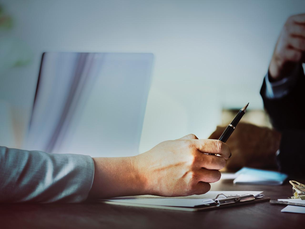 Sutarčių teisės pagalba ir konsultacijos